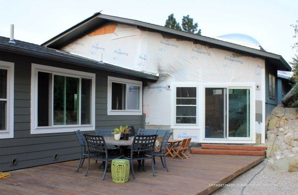 Painting-Siding-Pool-House-Wall