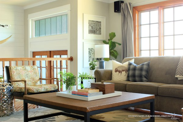 Two-Tone-Wooden-Box-on-Living-Room