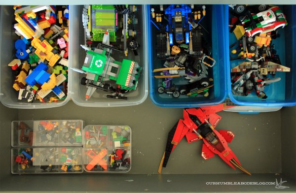 Lego-Organization-in-Drawer