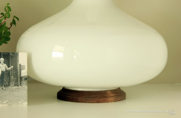 Glass-Base-Wood-Round