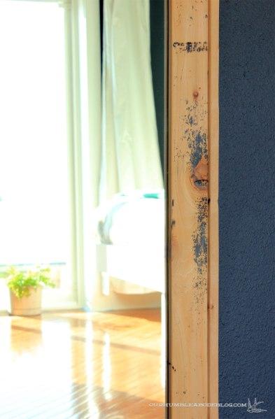 Framed-Wall-Mirror-Finish-Detail
