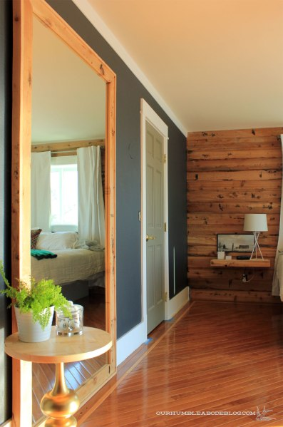 Framed-Wall-Mirror-With-Plank-Wall