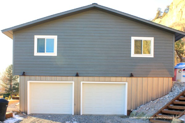 Standing-Seam-Steel-on-Garage-End