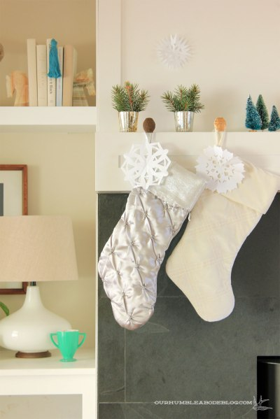 Christmas-Mantel-Stocking-Detail