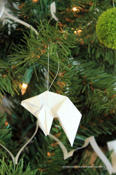 Christmas-Tree-Goldfish-Origami-Ornament