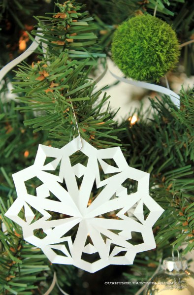 Christmas-Tree-Paper-Snowflake-Ornament