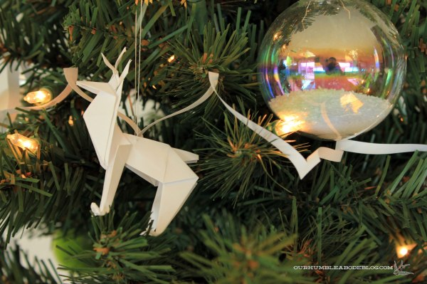 Christmas-Tree-Reindeer-Origami-Ornament