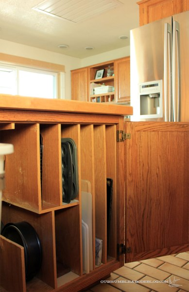 Divider-Cabinet-in-Kitchen