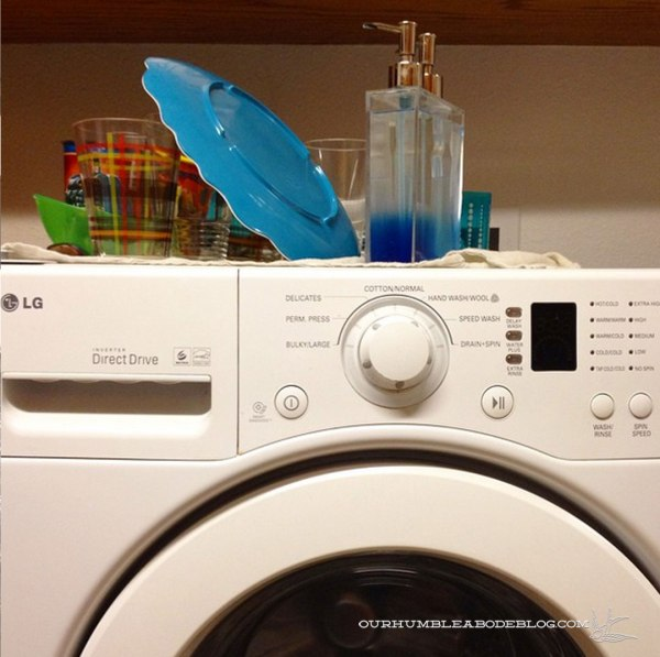 Clean-Dishes-on-Washing-Machine
