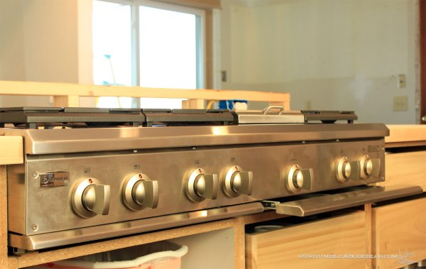 Cooktop-in-Island-Side