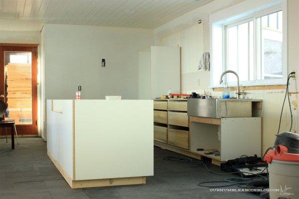 Kitchen-Base-Cabinet-Installing-Island