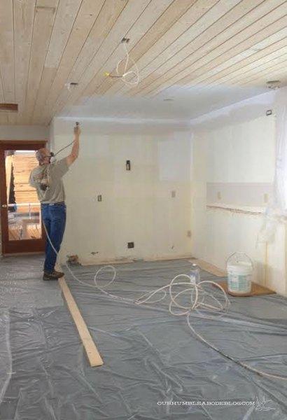 Kitchen-Ceiling-Spraying-Primer