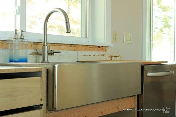 Kitchen-Sink-with-Dishwasher