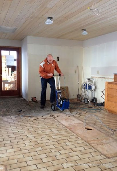 Kitchen-Tile-Floor-Removal-Tool
