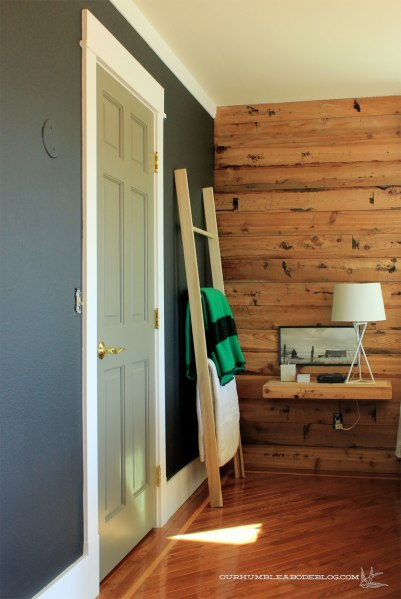 Blanket-Ladder-in-Bedroom