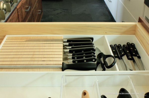 In-Drawer-Knife-Block-in-Drawer
