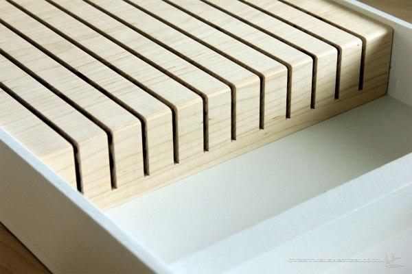 In-Drawer-Knife-Block-Wood-Detail