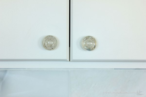 Upper-Cabinet-Glass-Knobs