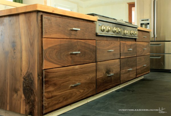 Walnut-Drawers-on-Island