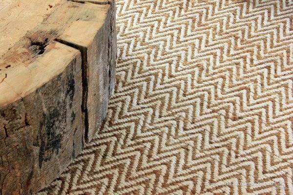 West-Elm-Rug-Stump-Table-Detail