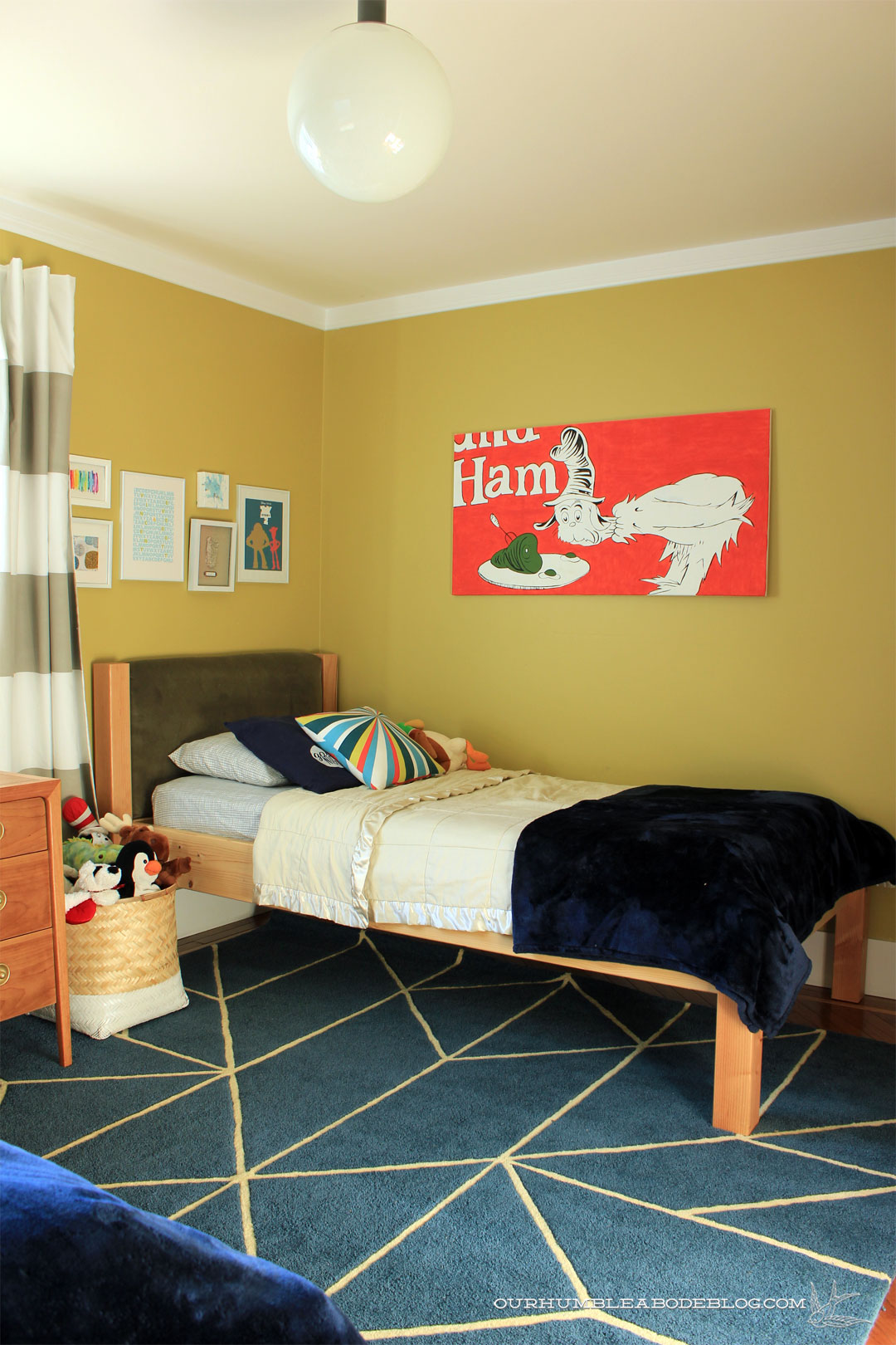 Boys Bedroom With Large Rug From Closet
