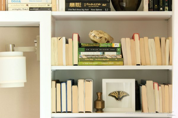 Guest-Room-Bookshelf-Right-Detail