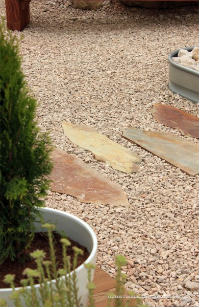 Flagstone-Pavers-to-Firepit-Detail
