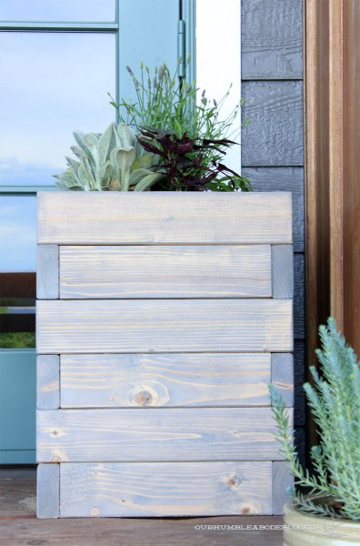 Square-Planter-Box-Front-Detail