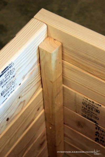 Square-Planter-Box-Inside-Corner-Fasteners