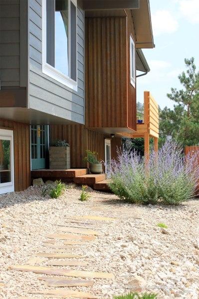 Paver-Walkway-Toward-House