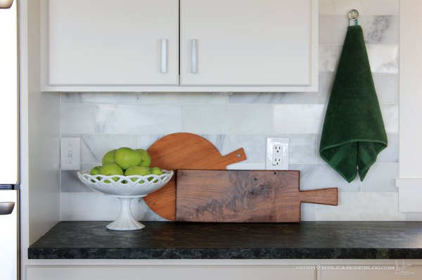 Cutting-Boards-on-Kitchen-Counter