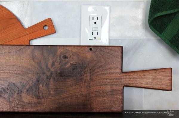 Long-Narrow-Cutting-Board-Handle-Detail