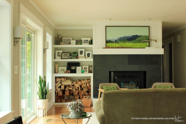 Family-Room-Shelf-from-Breakfast-Nook