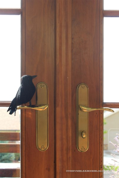 Halloween-Crow-On-Door