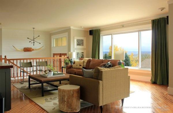 Living-Room-Arrangement-Before-Window-Seat