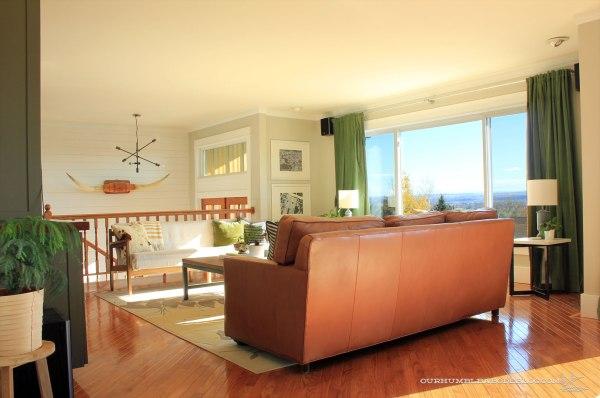 Parallel-Couch-Window-Seat-Arrangement