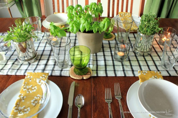 Thanksgiving-Table-Setting-Overall-from-Side