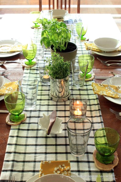 Thanksgiving-Table-Setting-Overall-Vertical-End