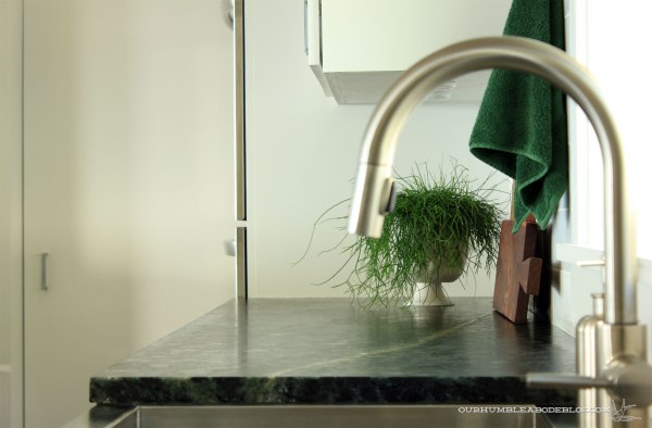 Soapstone-Counter-Sink-Edge