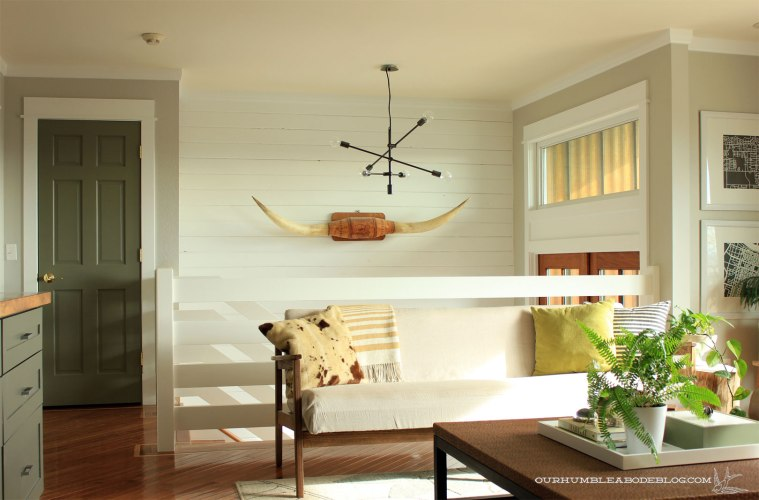 Horizontal-Railing-and-Living-Room