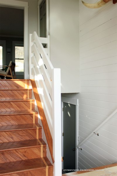 Horizontal-Railing-from-Front-Door