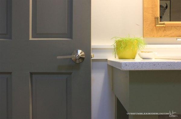 Schlage-Door-Handle-Locking-Detail