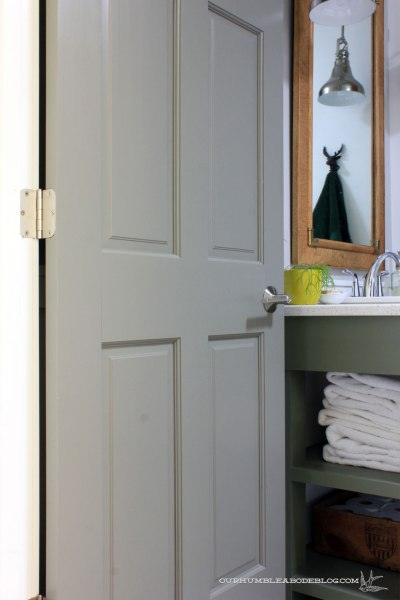 Schlage-Handle-on-Bathroom-Door