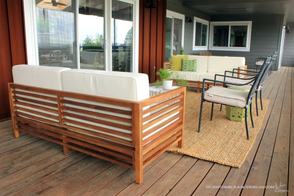 Front-Deck-Lounge-Area-Toward-Pool-House