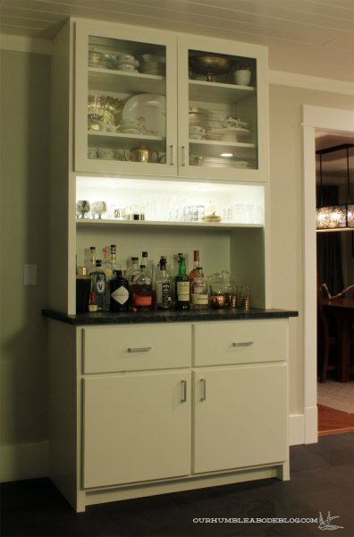 kitchen-bar-at-night