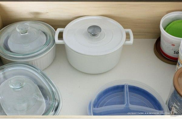 kitchen-drawer-baking-dishes