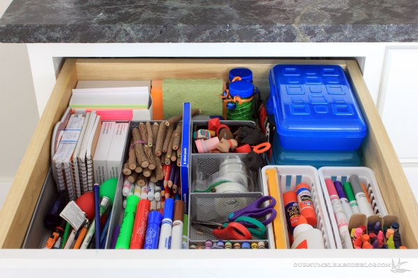 kitchen-drawer-kids-art-supplies