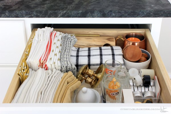 kitchen-drawer-napkins