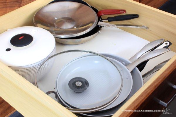 kitchen-drawer-pans