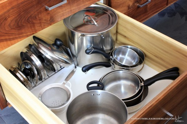 kitchen-drawer-pots
